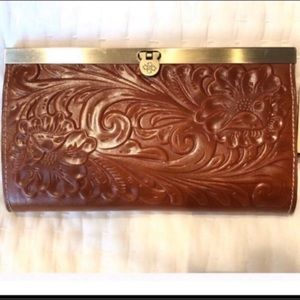 Patricia Nash beauty leather wallet NWT